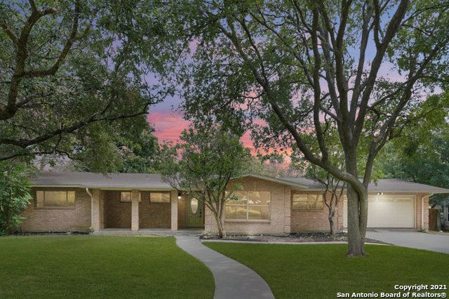 Photo of 208 BRIARCLIFF DR, Castle Hills, TX 78213 (MLS # 1551626)