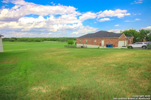 Photo of 124 Grand View, Floresville, TX 78114 (MLS # 1477627)