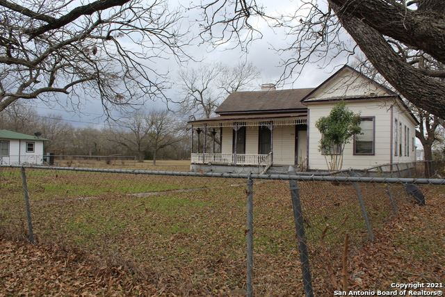 Photo of 1720 N GUADALUPE ST, Seguin, TX 78155 (MLS # 1504634)