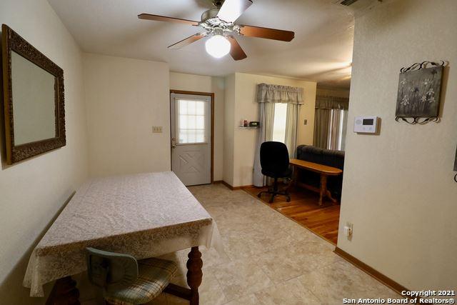 Photo of 1009 Byron Ave, Pleasanton, TX 78064 (MLS # 1561651)