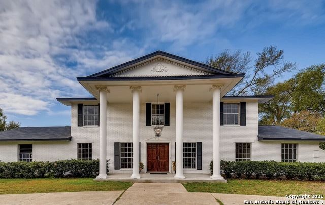 Photo of 505 Squires Row, Castle Hills, TX 78213 (MLS # 1562661)
