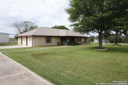 Photo of 342 TAILWIND DR, Seguin, TX 78155 (MLS # 1565663)