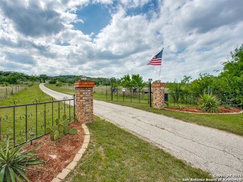 Photo of 706 PALEFACE RANCH RD SOUTH, SPICEWOOD, TX 78669 (MLS # 1525680)