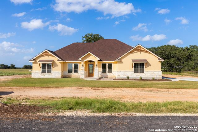 Photo of 127 Clarence Dr, Floresville, TX 78114 (MLS # 1541737)