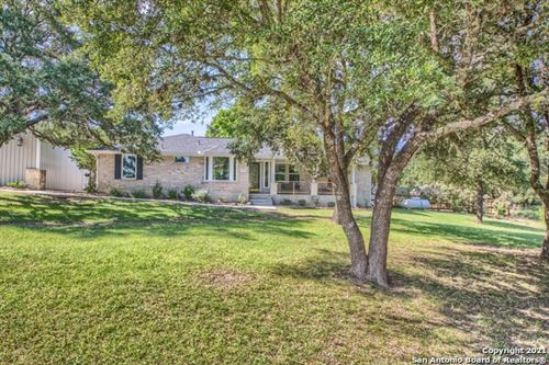 Photo of 142 LAKE FRONT DR, Boerne, TX 78006 (MLS # 1546779)