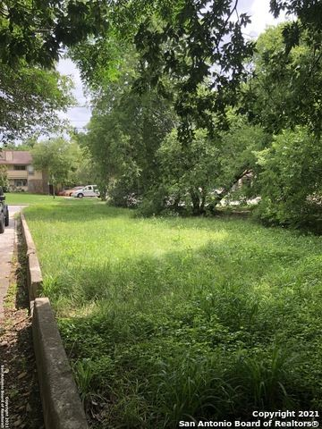 Photo of 5711 N NEW BRAUNFELS AVE, Alamo Heights, TX 78209 (MLS # 1535837)