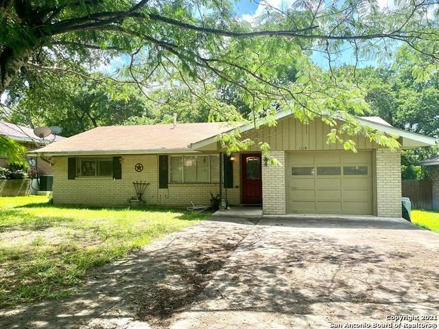 Photo of 1119 Donna Kay Dr, Kerrville, TX 78028 (MLS # 1545882)