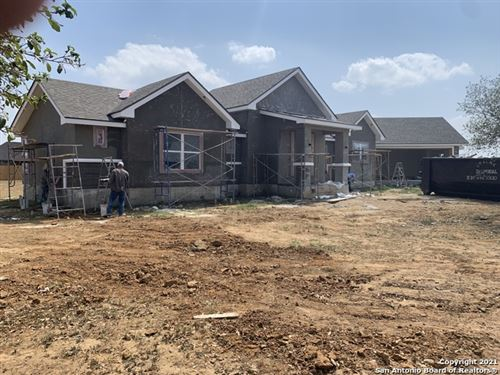 Photo of 152 W Short Meadow Dr, Lytle, TX 78052 (MLS # 1523894)