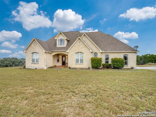 Photo of 102 MULBERRY LN, Boerne, TX 78006 (MLS # 1565948)