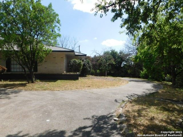 Photo of 605 SQUIRES ROW, Castle Hills, TX 78213 (MLS # 1524998)