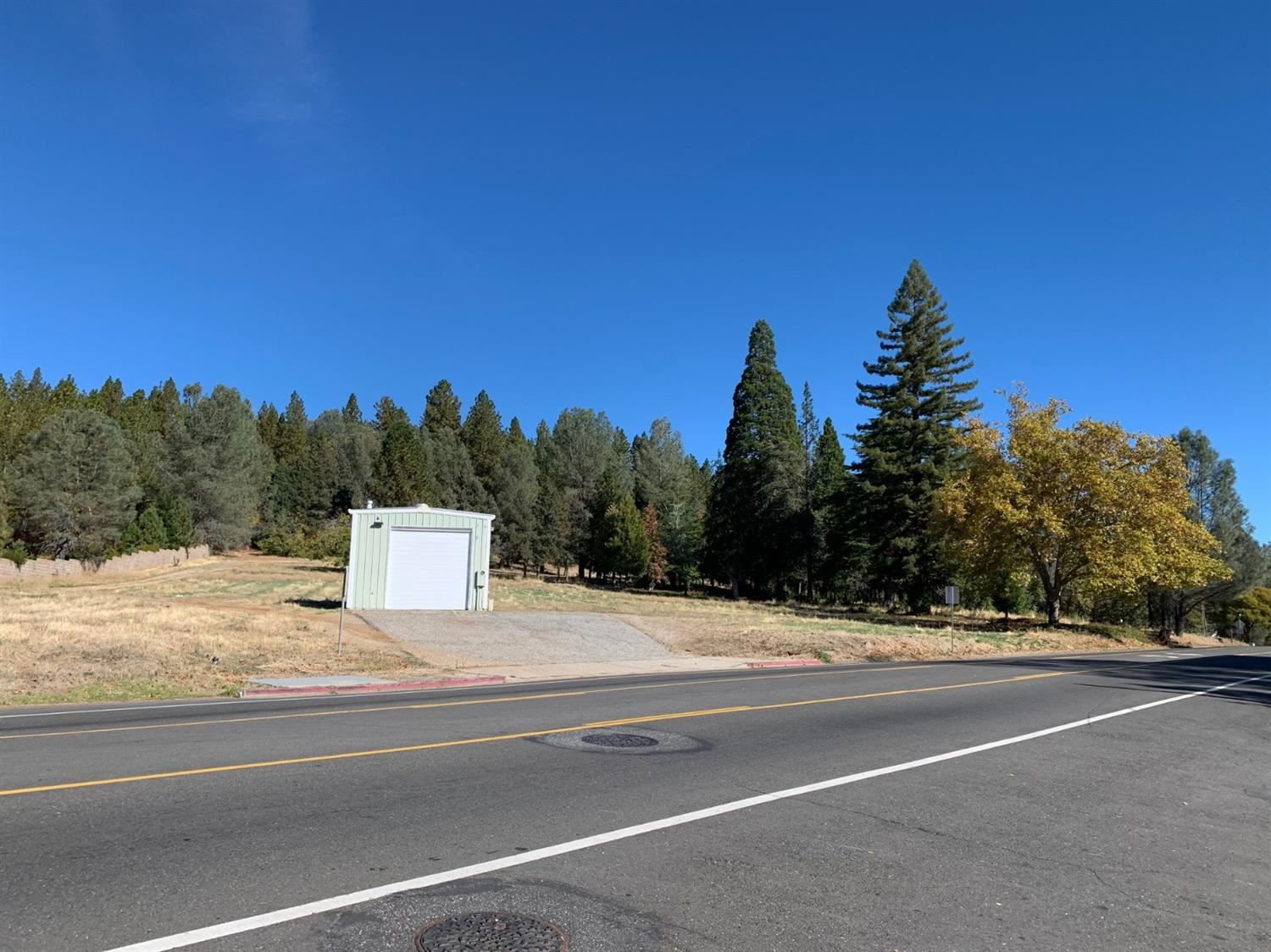 Photo of Grass Valley, CA 95945 (MLS # 20001000)
