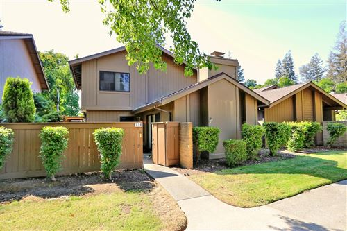 Photo of 614 Ranch Road, Sacramento, CA 95825 (MLS # 221086014)