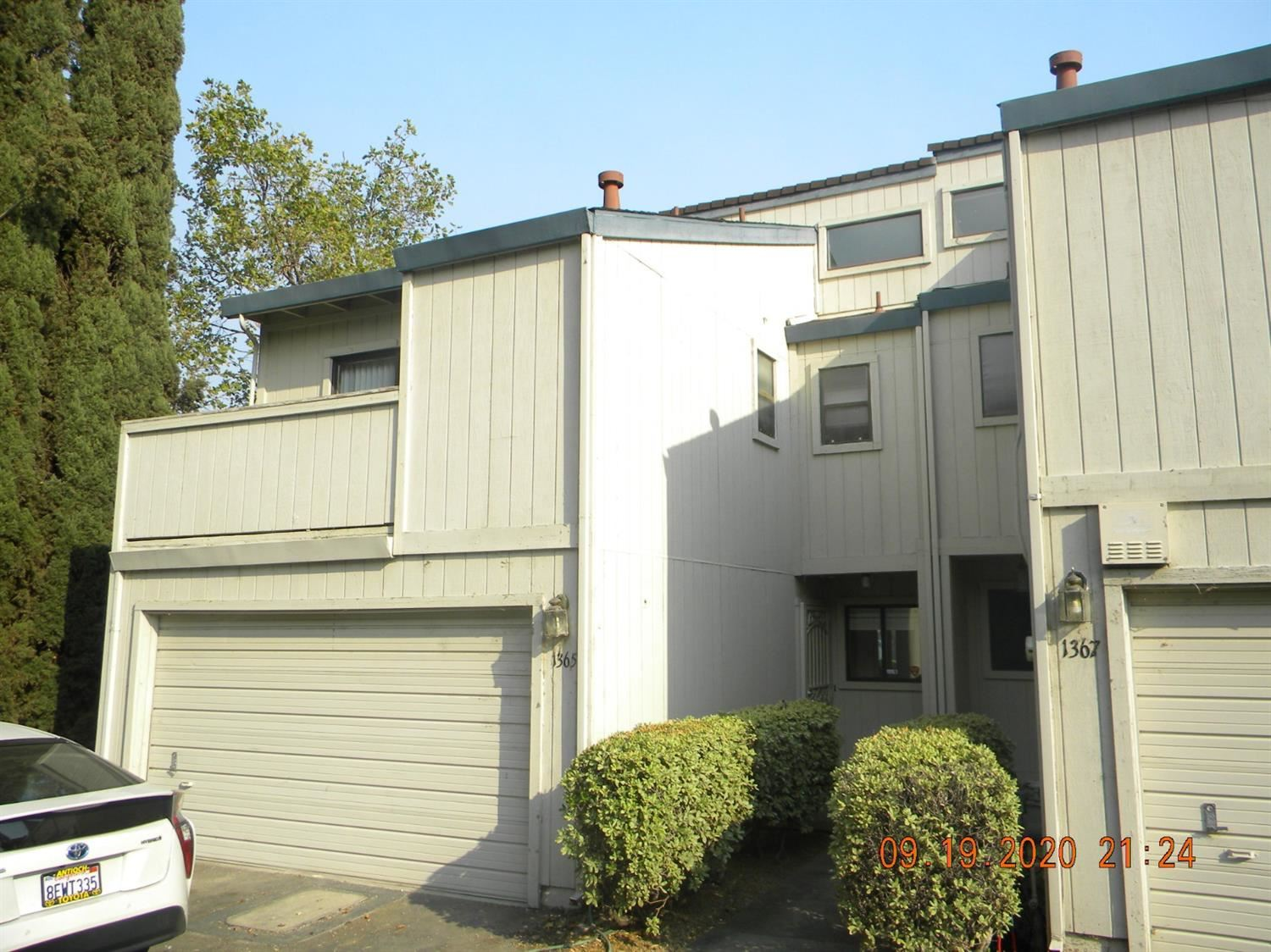 Photo of 1365 Hood Road, Sacramento, CA 95825 (MLS # 20064015)