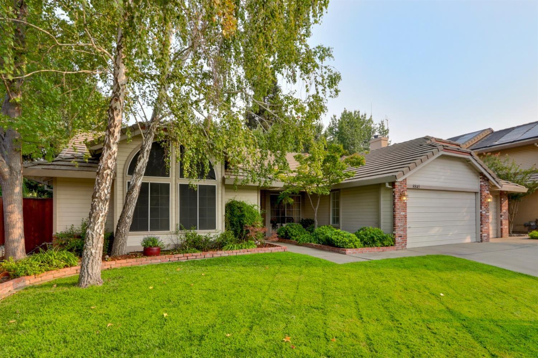Photo of 8845 Dorington Court, Elk Grove, CA 95624 (MLS # 20057019)