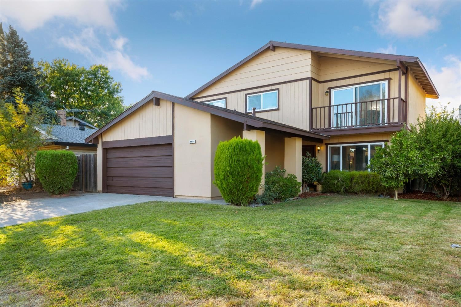 Photo of 9475 Alcosta Way, Sacramento, CA 95827 (MLS # 20064019)