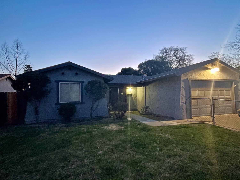 Photo of 6117 Jack London Circle, Sacramento, CA 95842 (MLS # 221014026)