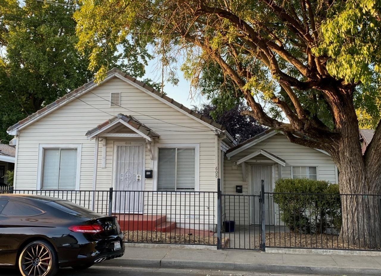 Photo of 608 California Street, West Sacramento, CA 95605 (MLS # 221113032)