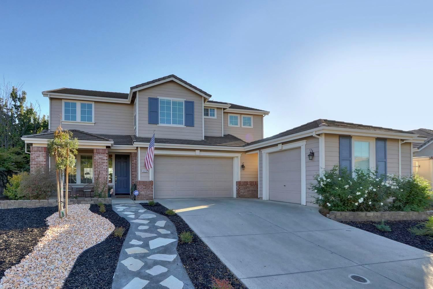 Photo of 9320 Healon Way, Elk Grove, CA 95624 (MLS # 20064033)