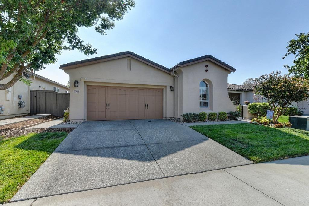 Photo of 2742 San Marin Lane, Sacramento, CA 95835 (MLS # 221107033)