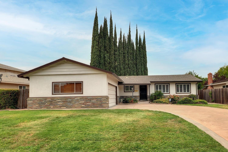 Photo of 7348 Farm Dale Way, Sacramento, CA 95831 (MLS # 221106037)