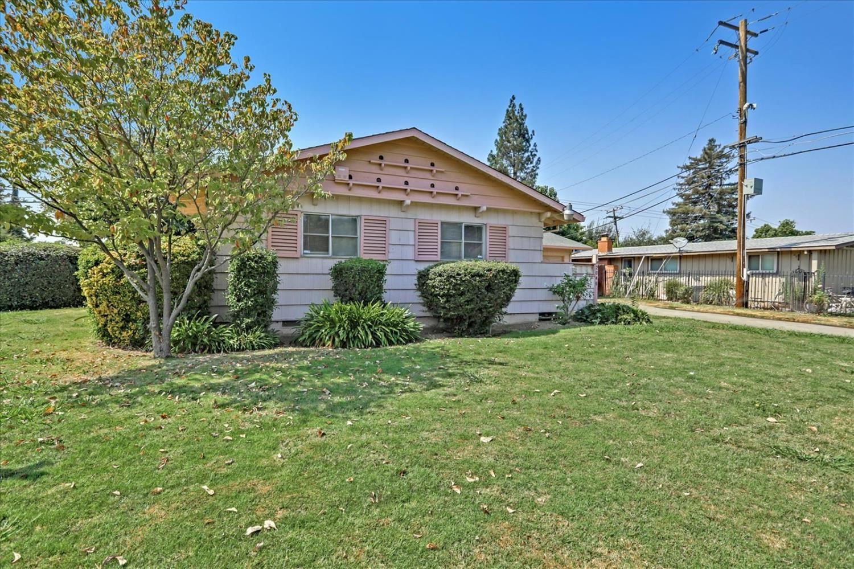 Photo of 2648 Paseo Drive, Rancho Cordova, CA 95670 (MLS # 221114037)