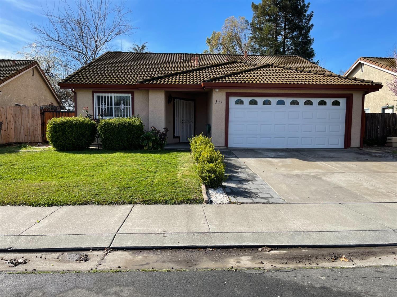 Photo of 1365 Windemere Court, West Sacramento, CA 95605 (MLS # 221009038)