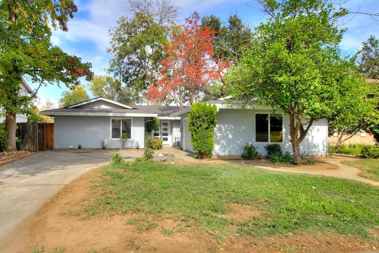 Photo of 2242 Rogue River Drive, Sacramento, CA 95826 (MLS # 221136040)