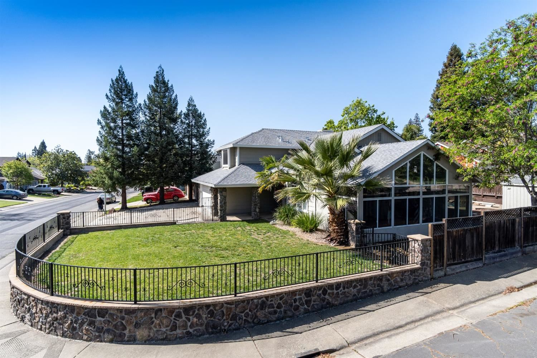Photo of 146 Winterstein Drive, Folsom, CA 95630 (MLS # 221035046)