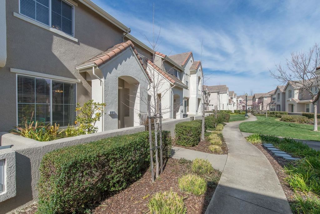 Photo of 805 Esplanade Circle #805, Folsom, CA 95630 (MLS # 221011053)