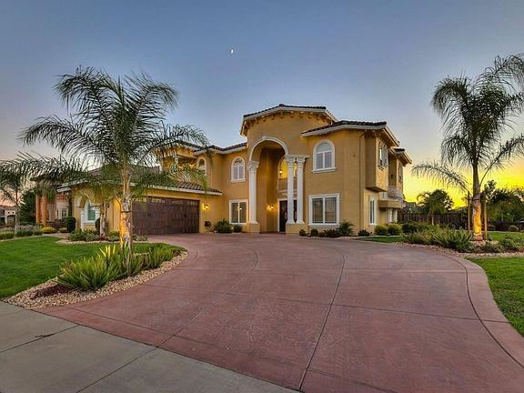 Photo of 8825 Wentworth Way, Roseville, CA 95747 (MLS # 221003061)