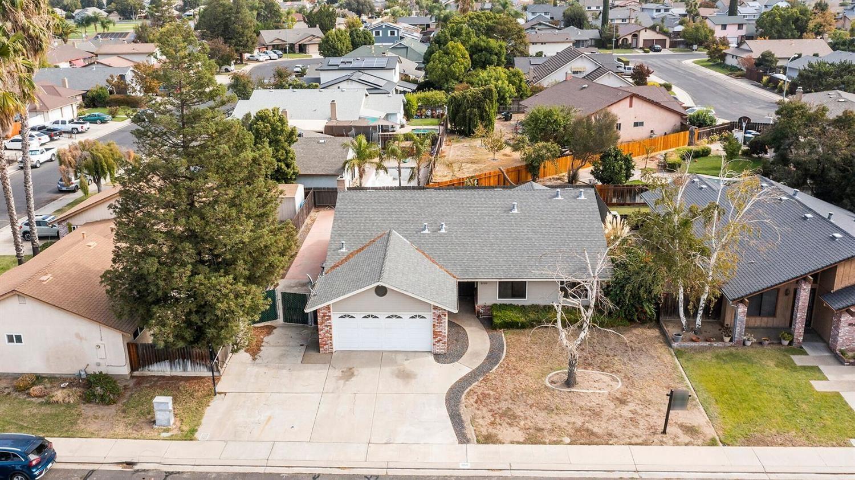 Photo of 1050 Locust Avenue, Manteca, CA 95337 (MLS # 221132064)