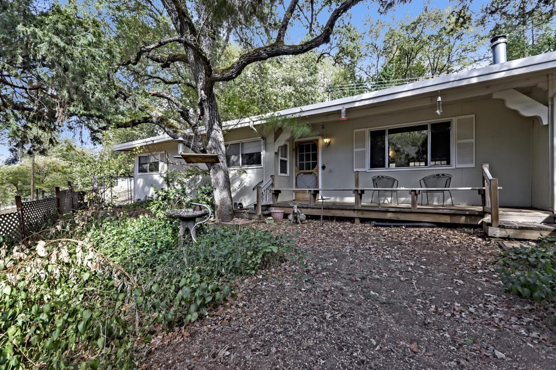 Photo of 940 Cole Road, Meadow Vista, CA 95722 (MLS # 221136067)