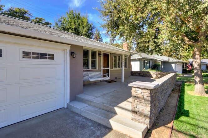 Photo of 4970 Moddison Avenue, Sacramento, CA 95819 (MLS # 221136070)