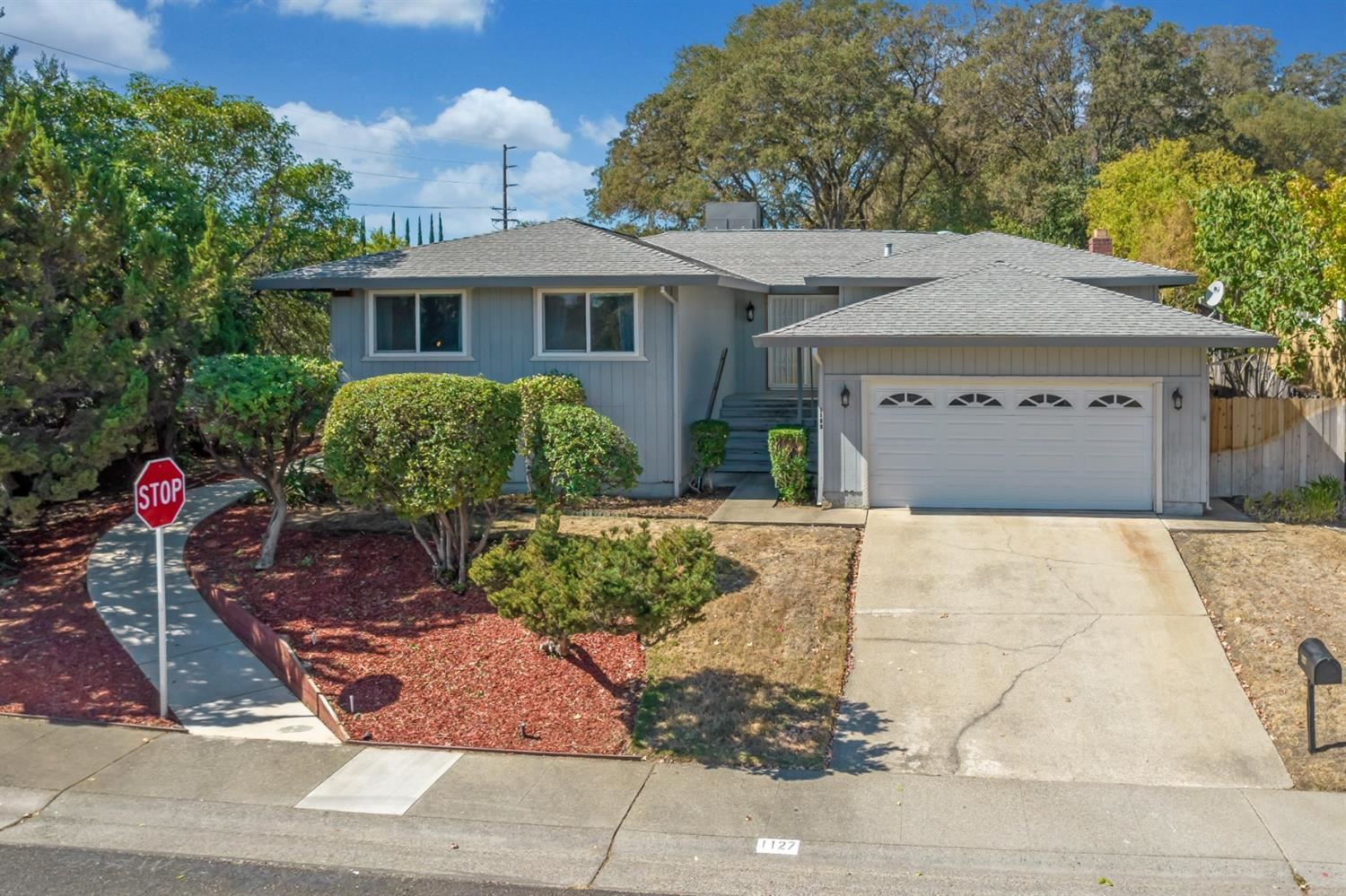 1127 Coral Drive, Roseville, CA 95661 - MLS#: 221125075