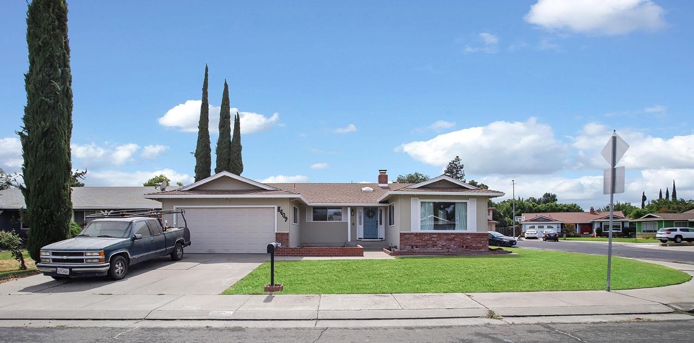 Photo of 8409 Hamilton Way, Stockton, CA 95209 (MLS # 221071087)