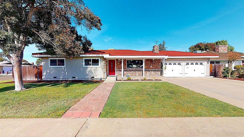 Photo of 441 Pedras Road, Turlock, CA 95382 (MLS # 221136093)