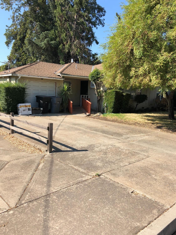 Photo of 1217 maple Drive, Oakdale, CA 95361 (MLS # 221133099)