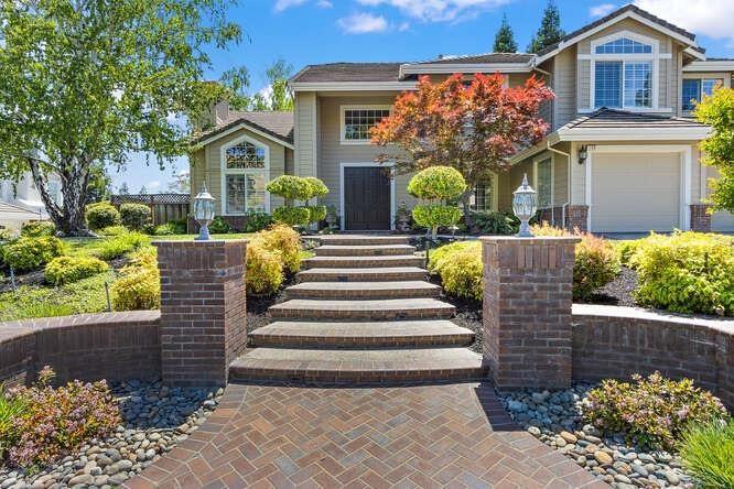 Photo of 156 Alta Vista Way, Danville, CA 94506 (MLS # 221048105)