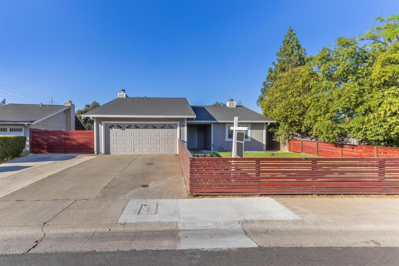 5 Leros Court, Sacramento, CA 95823 - MLS#: 221133111