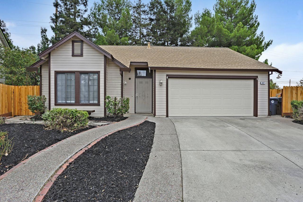 9021 Levant Court, Elk Grove, CA 95758 - MLS#: 221135112