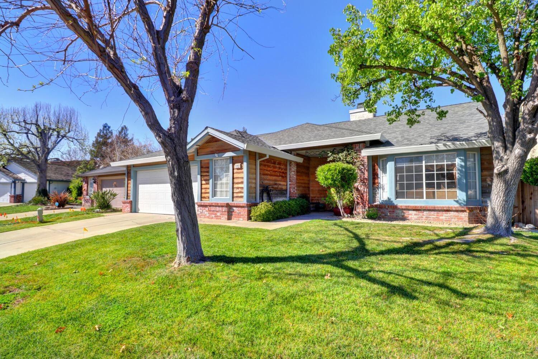Photo of 8753 Pennyfoot Court, Sacramento, CA 95828 (MLS # 221028113)