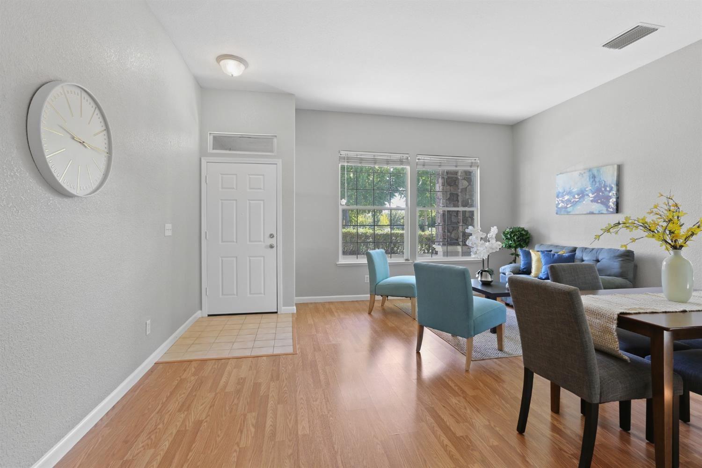 Photo of 5 Crossley Court, Sacramento, CA 95833 (MLS # 221122114)