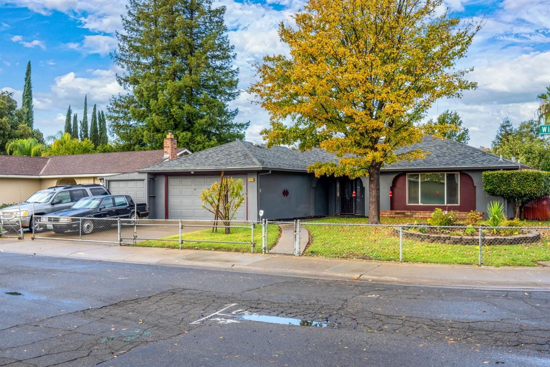 Photo of 3097 Wiese Way, Sacramento, CA 95833 (MLS # 221137127)
