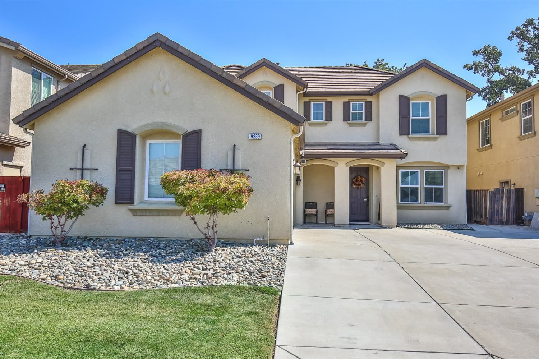 Photo of 9239 Fife Ranch Way, Elk Grove, CA 95624 (MLS # 221117128)
