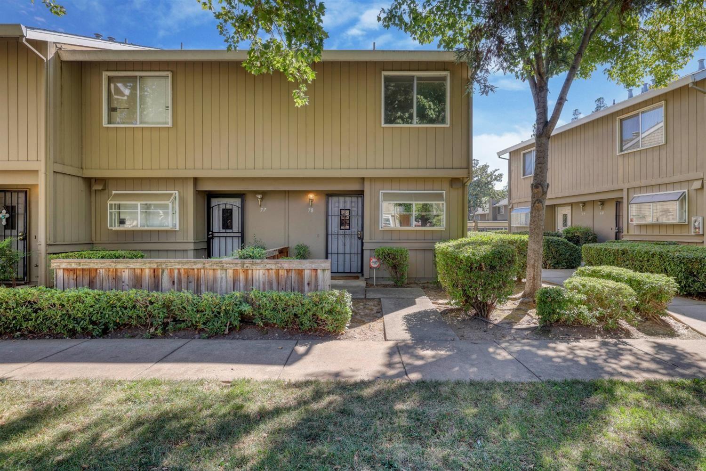 Photo of 5632 Hamilton Street #78, Sacramento, CA 95842 (MLS # 221111129)