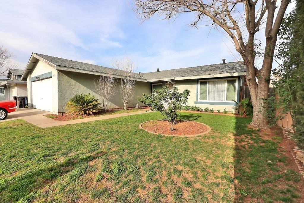 Photo of 7250 Starflower Drive, Citrus Heights, CA 95621 (MLS # 221014135)