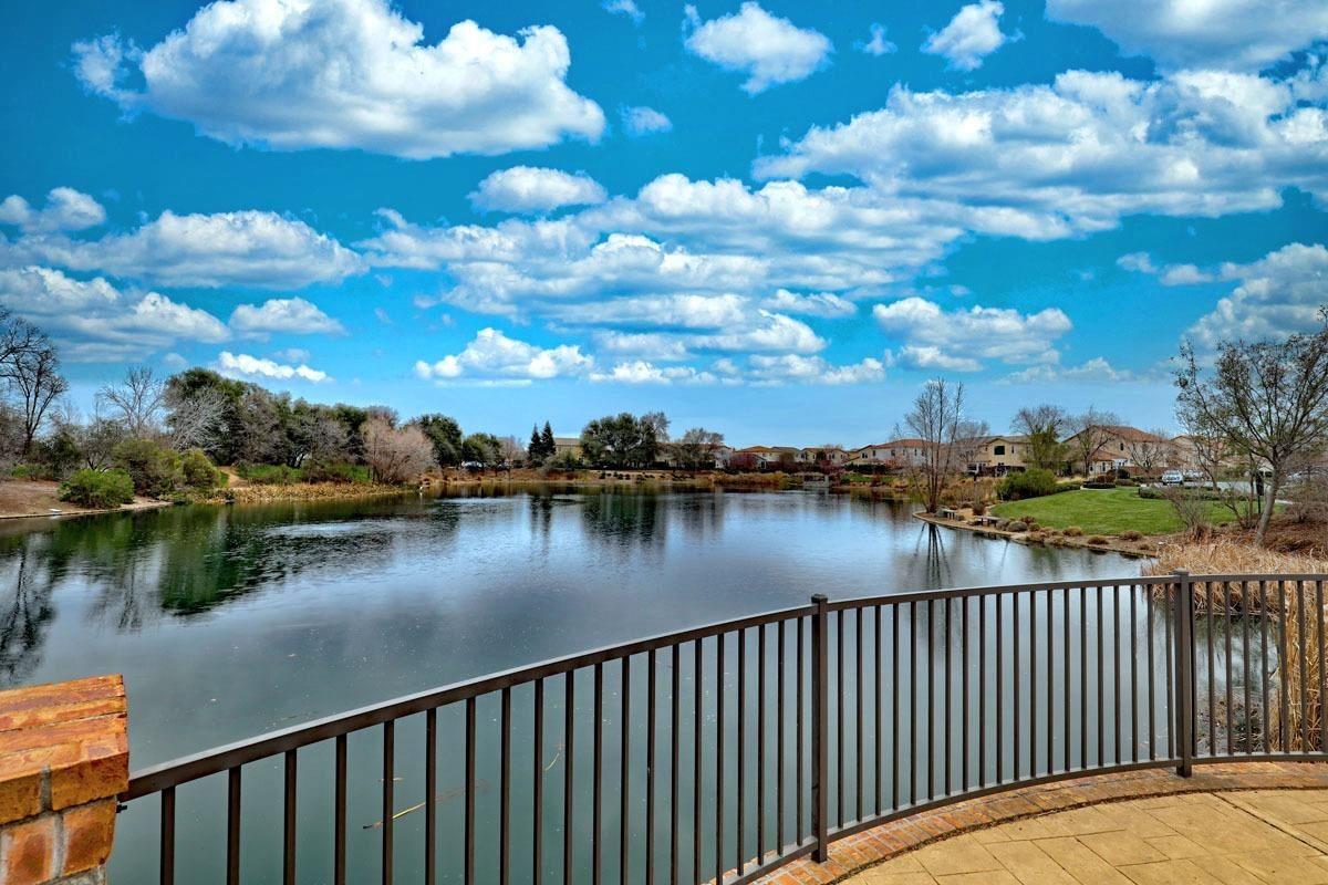 Photo of 1301 Mallard Creek, Roseville, CA 95747 (MLS # 221009136)
