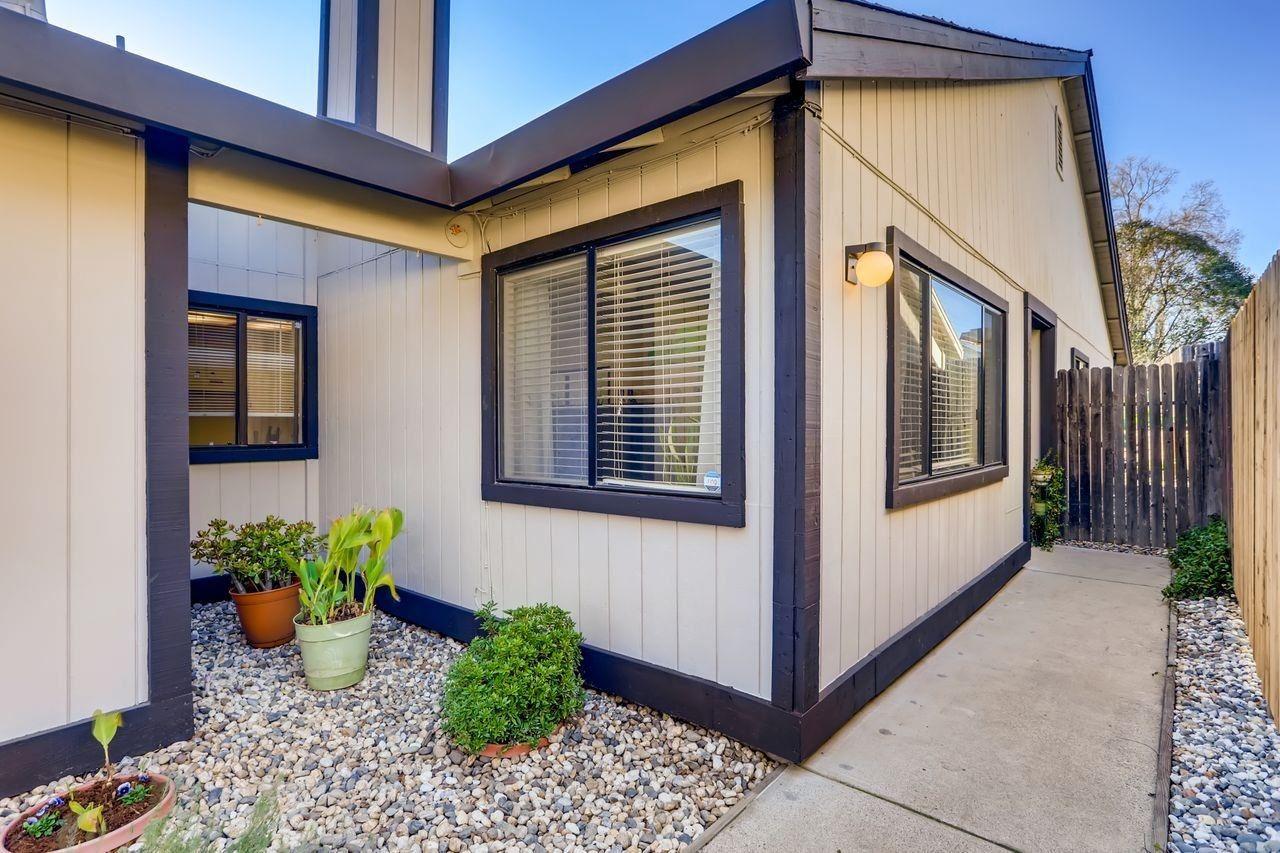 Photo of 5941 El Sol Way, Citrus Heights, CA 95621 (MLS # 221009147)