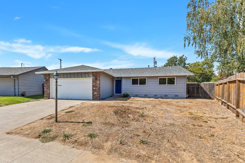 Photo of 2113 Danbury Way, Rancho Cordova, CA 95670 (MLS # 221084148)