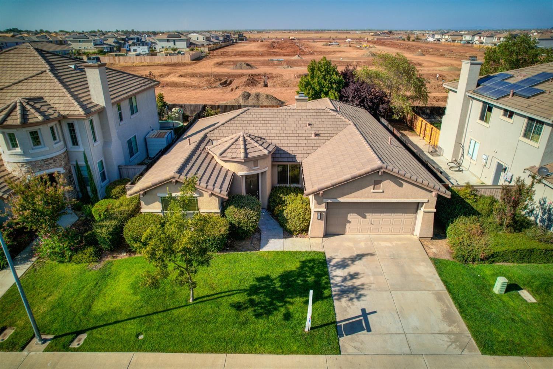 Photo of 11995 Mandolin Way, Rancho Cordova, CA 95742 (MLS # 221112150)